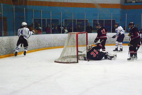 Knights upset Ice Dawgs in season finale