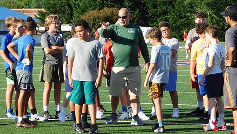 Chavis, longtime SEC coach, assisting West middle school team